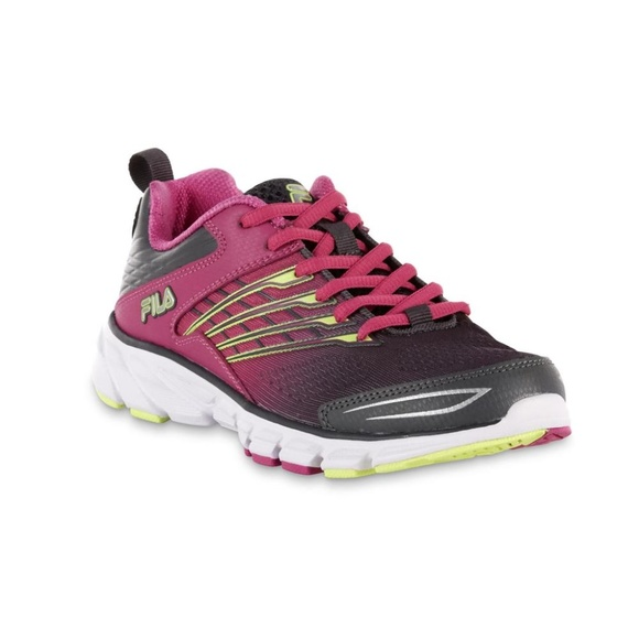 62122c2e46a9 Fila Women s Memory Arizer Athletic Shoe
